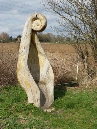 Wooden-Fern-Seat